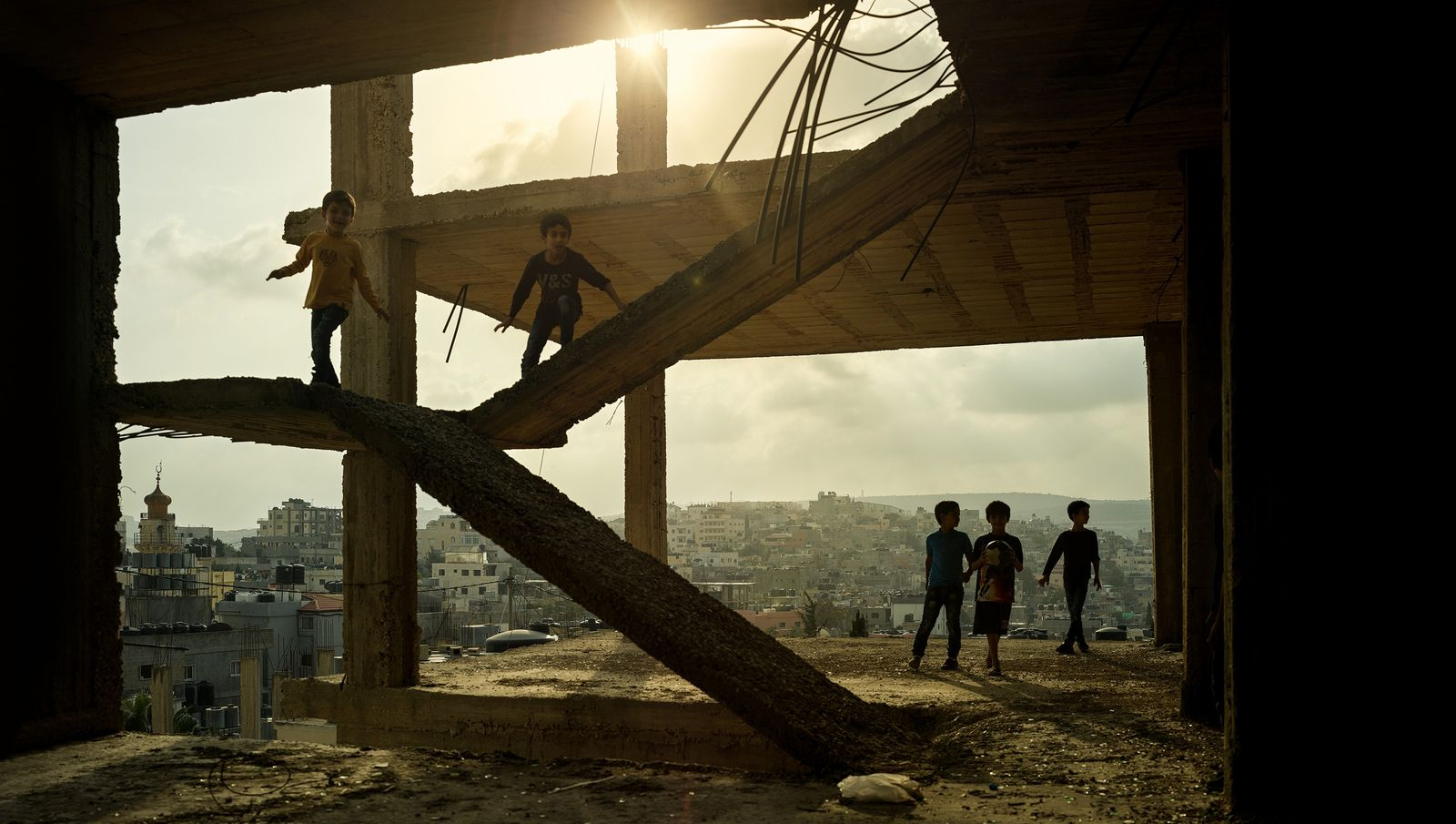 La vie continue – camps de réfugié.e.s de Dheisheh, Bethléem, Palestine, 2018  Le temporaire a laissé place ...