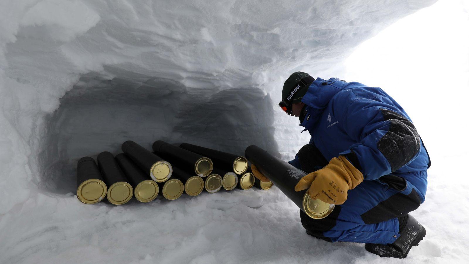 Les carottes de glace seront conservées et envoyées à la base Concordia en Antarctique.