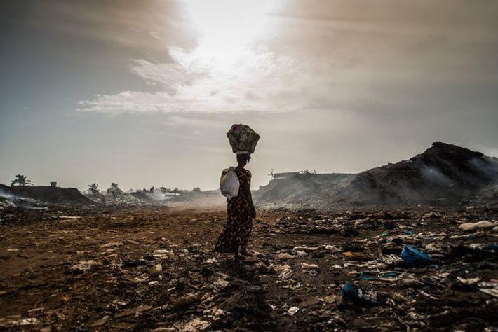 Aux abords de Dakar, au Sénégal, les déchets s'empilent depuis plus de 30 ans. 2 000 ...