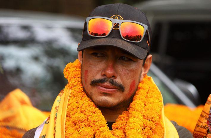 Pour Nirmal Purja et les neuf autres alpinistes népalais parvenus au sommet avec lui, la conquête ...