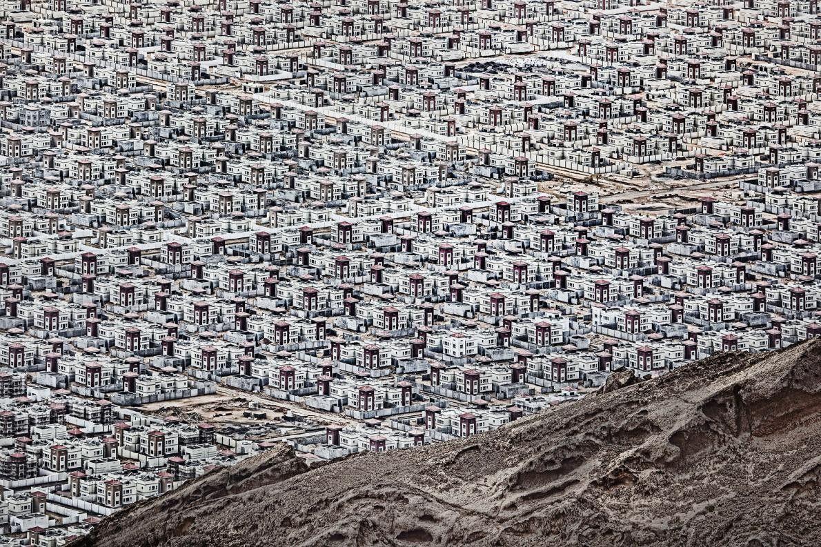 « Une ville moderne située en plein désert. » – Andrzej Bochenski