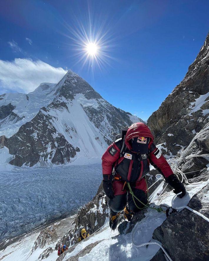 L'ascension du K2 en hiver est devenue une obsession parmi l'élite mondiale des alpinistes, mais la ...