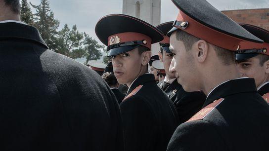 Des jeunes soldats pendant une parade militaire à Stepanakert, capitale autoproclamée du Haut-Karabagh. De 13 à ...