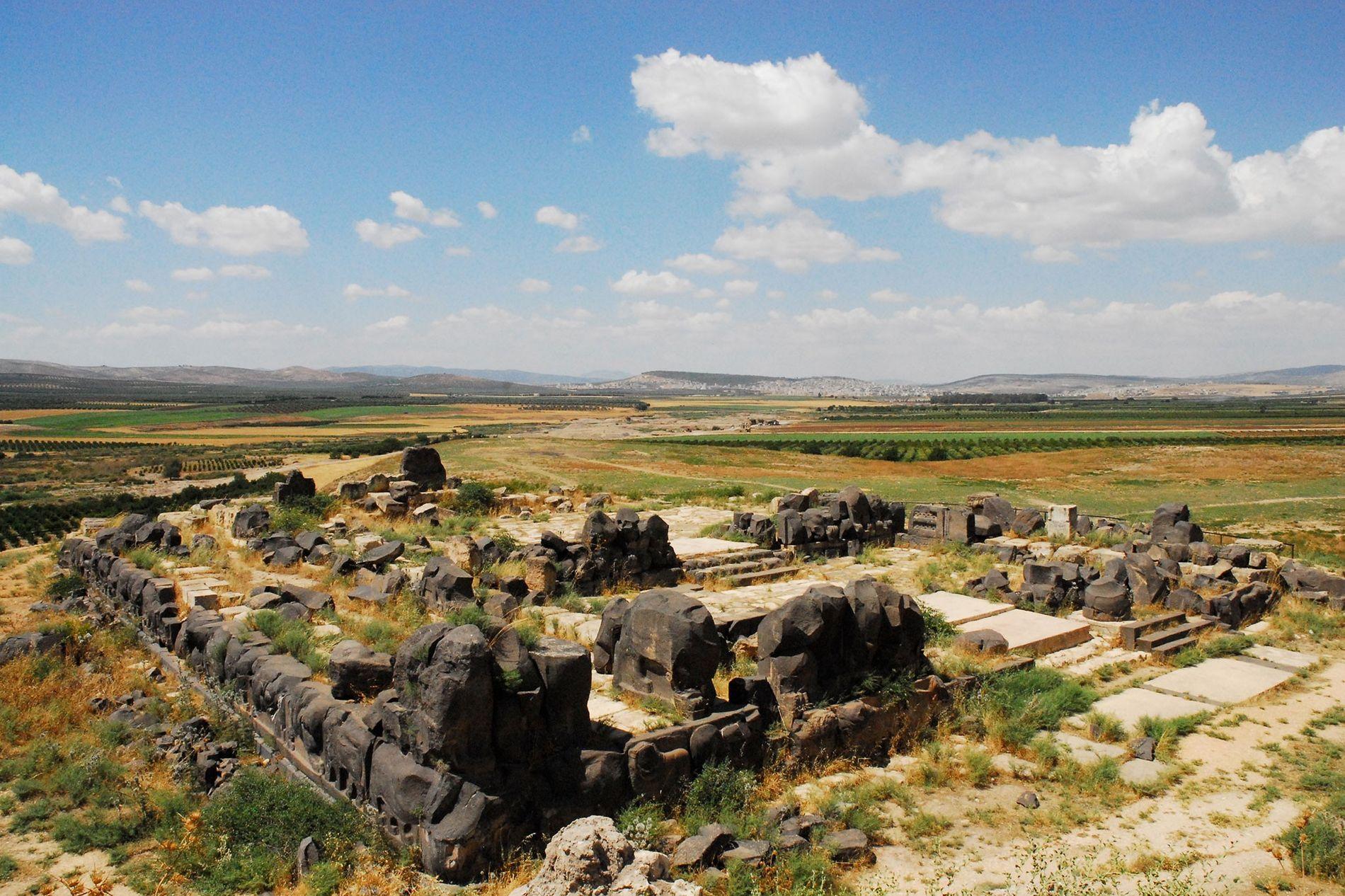 Le temple Aïn Dara, que l'on voit ici en 2010, est composé de pierres très rares ...