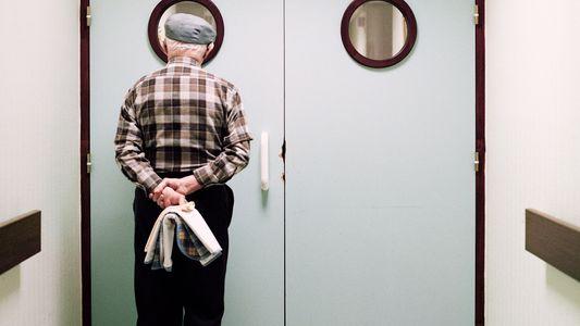 Le quotidien des patients atteints d'Alzheimer en 13 images poignantes