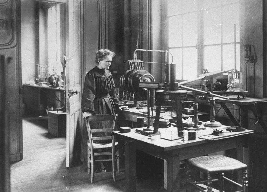 Pendant la Première Guerre mondiale, Marie Curie et d'autres femmes se sont exposées au danger en ...