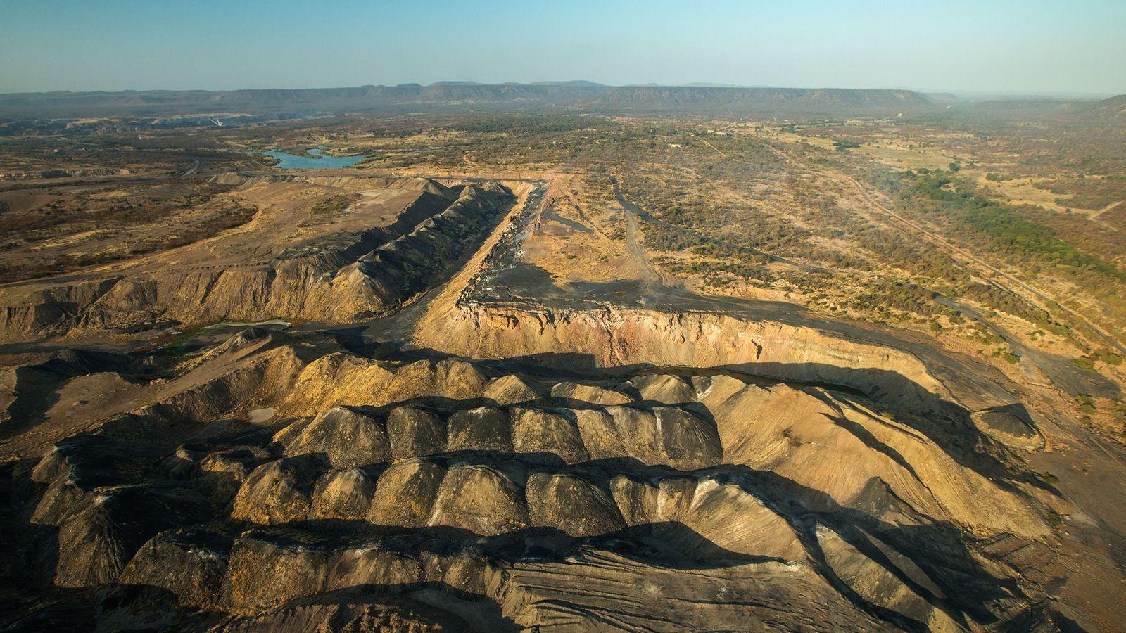 01-coal-mine-africa