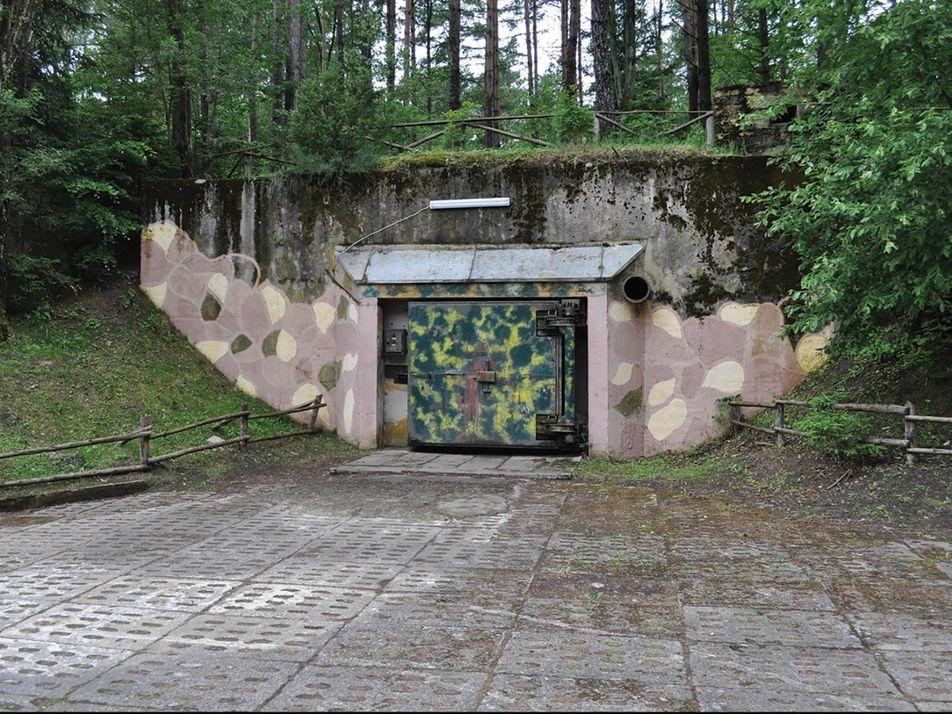 Visite de bunkers nucléaires édifiés pendant la Guerre froide en Pologne