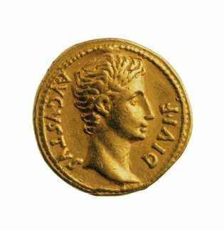 L'empereur Auguste sur un aureus (denier d'or) du 1er siècle. Musée d'État de Berlin.