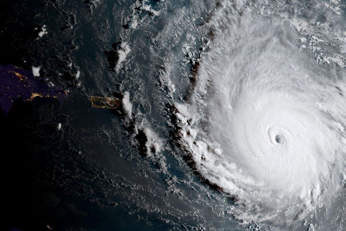L'ouragan Irma de catégorie 5 vu ici sur une image NOAA prise par le satellite GOES-16 ...