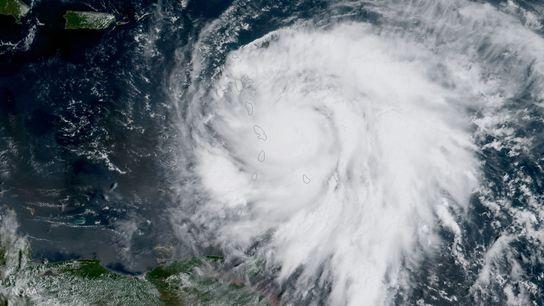 Un satellite de l'Agence américaine d'observation océanique et atmosphérique a capturé cette image de l'ouragan Maria ...