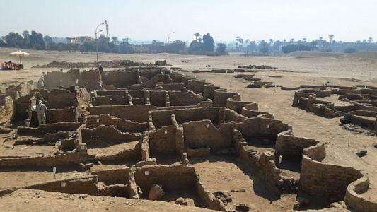 Découverte de la « cité d'or perdue » de Louxor, vieille de 3 400 ans