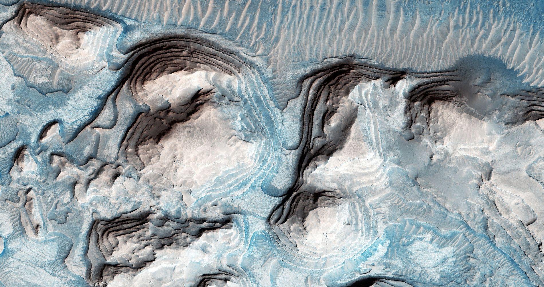 Photo de possible séries de couches sédimentaires cyclique au niveau d'Arabia Terra sur Mars