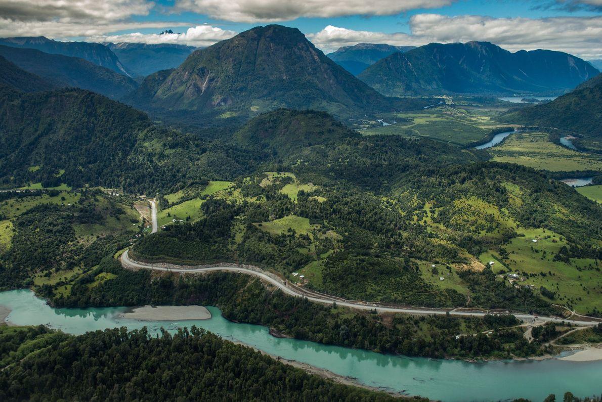 Récemment, le Chili a construit une route des parcs, un circuit s'étalant sur plus de 2 ...