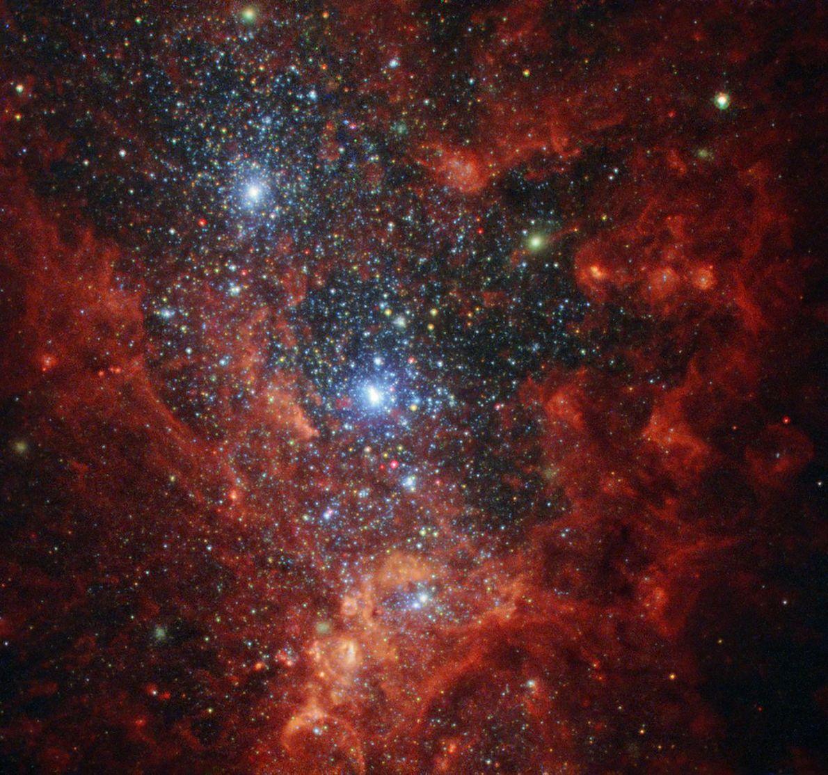 Cette image du télescope spatial Hubble NASA / ESA révèle l'intérieur irisé de l'une des galaxies ...