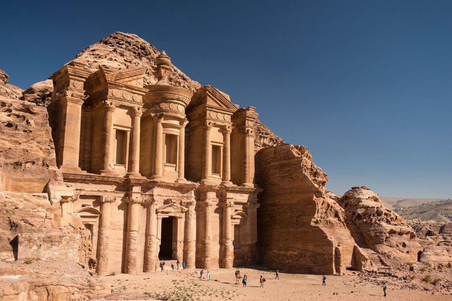 Avec sa façade gigantesque de plus de 45 mètres de haut « Le Monastère » de …