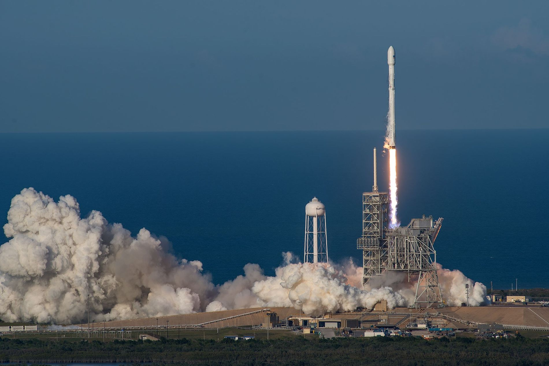 01-spacex-reused-rocket