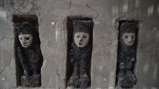 """À la rencontre des anciens """"gardes"""" péruviens d'un palais Chimù"""