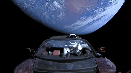 La Tesla envoyée dans l'espace pourrait s'écraser sur Terre