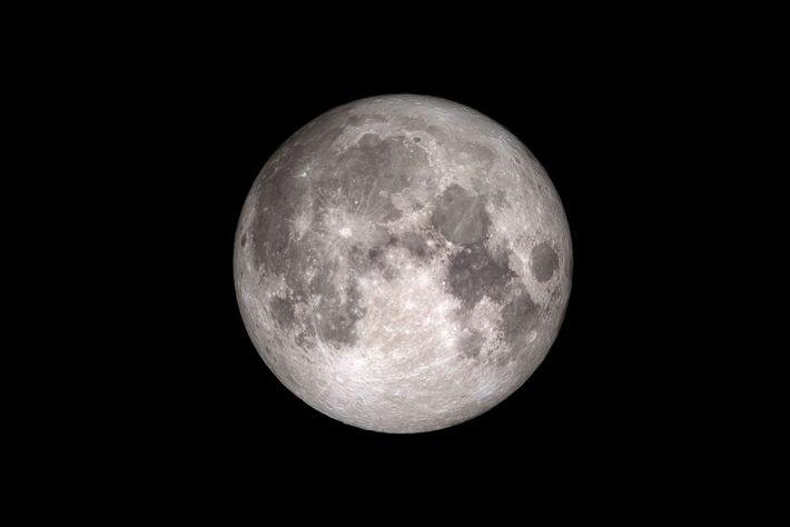 Il y a plus d'eau sur la Lune qu'on ne le pensait