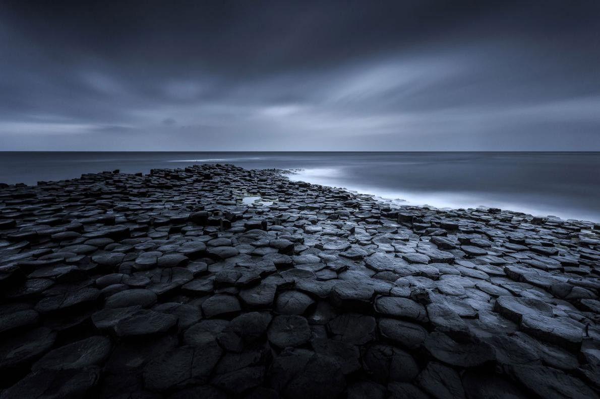« La Chaussée des Géants. » – Ryszard Lomnicki