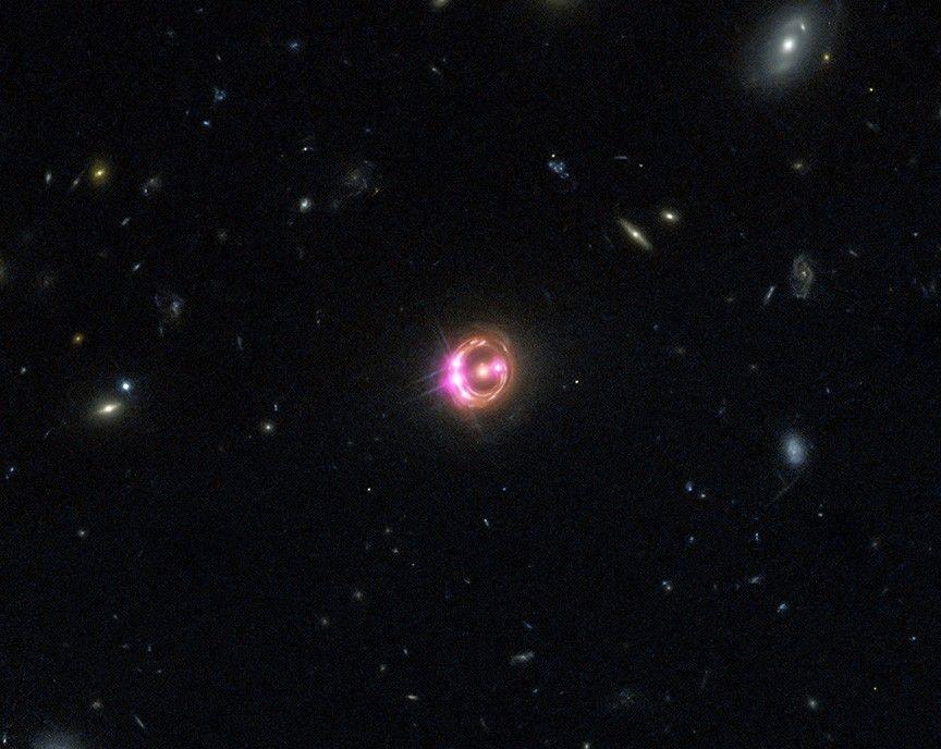 Comment les lentilles gravitationnelles pourraient aider à comprendre l'expansion de l'univers | National Geographic