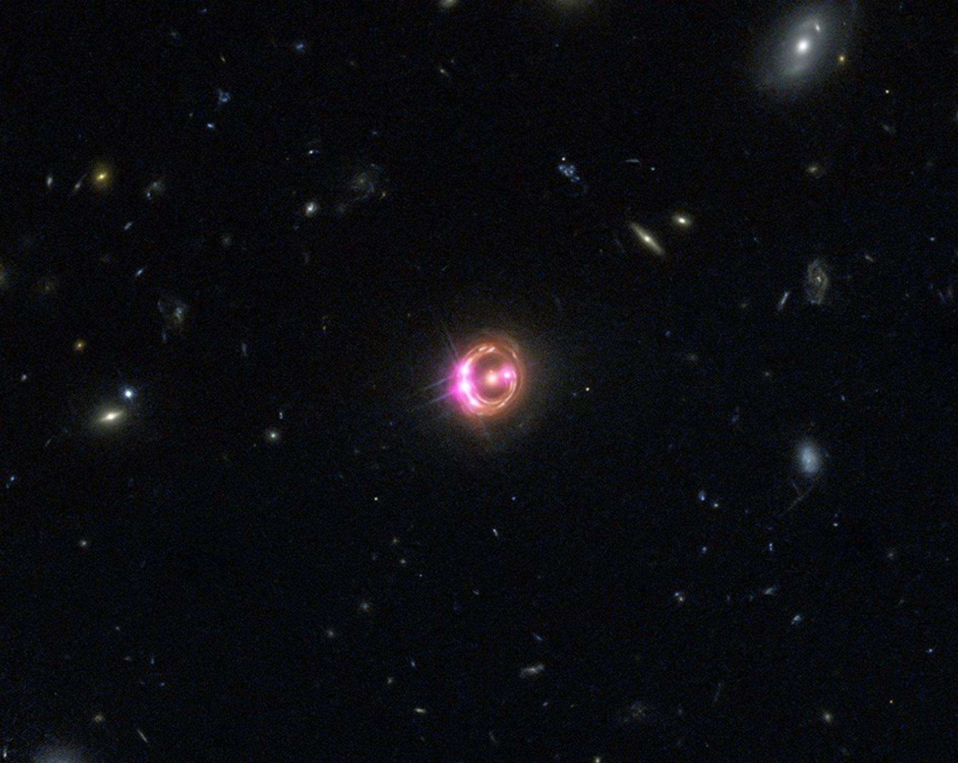 Sur cette image qui associe les données de l'Observatoire de rayons X Chandra et du télescope ...