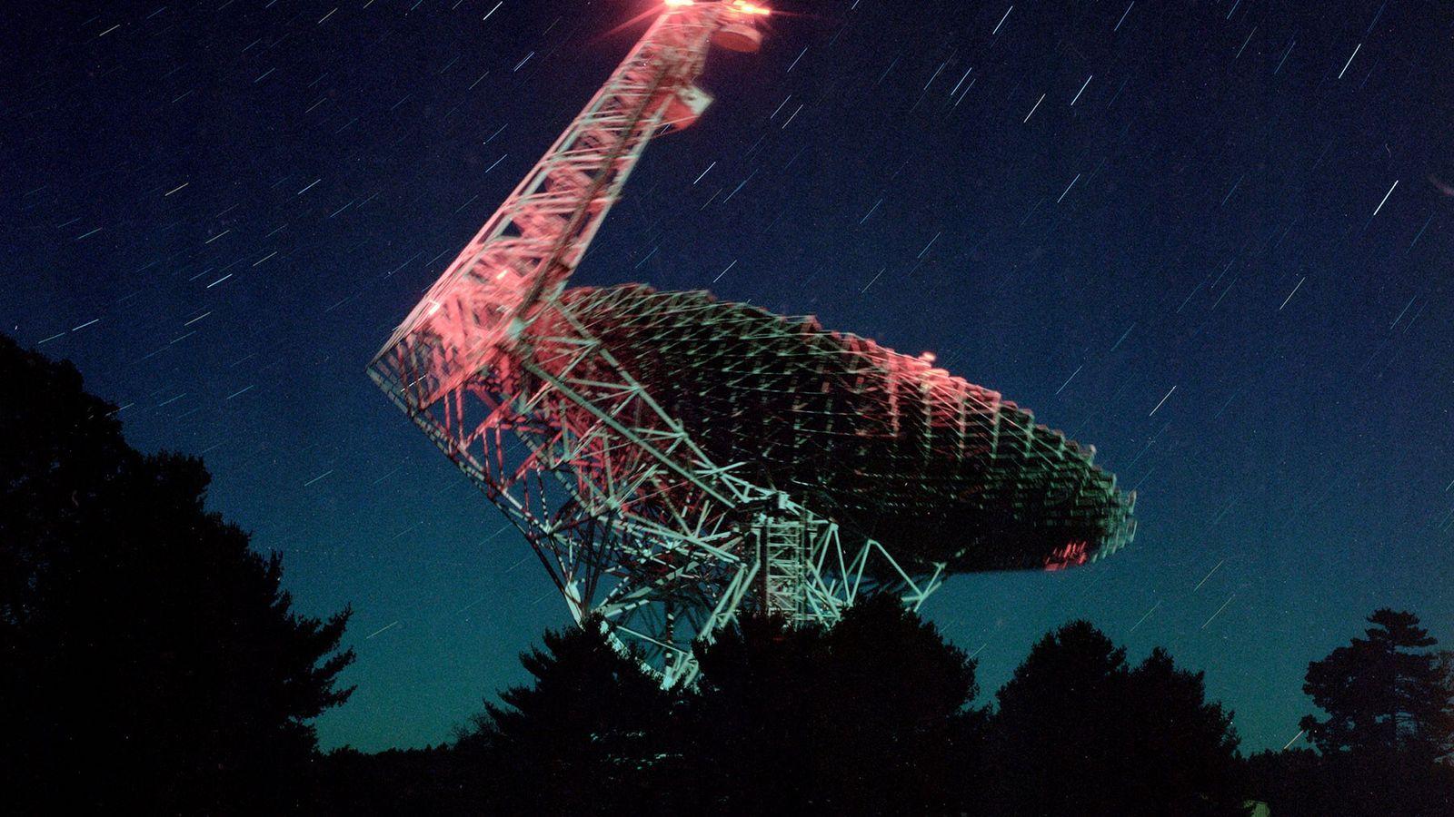Souvent surnommé « The Great Big Thing » (la Grande Chose) par les habitants, le télescope ...
