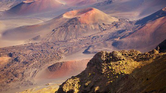 Le cône volcanique Pu'u o fait partie d'un volcan endormi du parc national de Haleakalā, situé ...