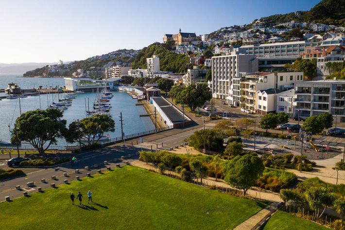 Un temps idéal pour se promener à travers Wellington, la capitale néo-zélandaise, et profiter de la ...
