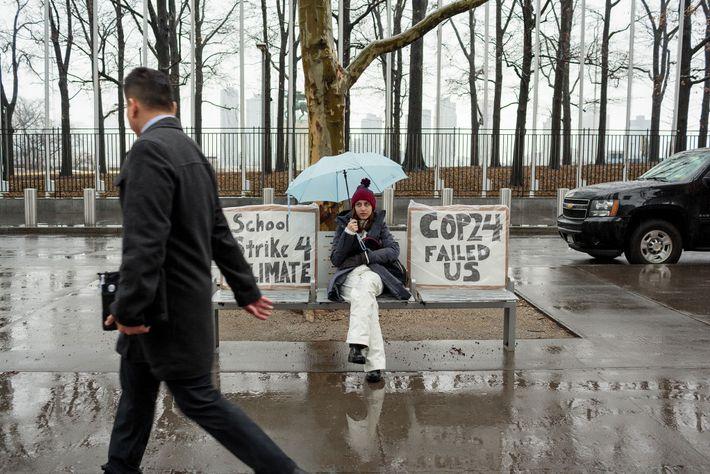 Chaque vendredi, Alexandria Villasenor, 13 ans, sèche l'école dans le cadre de la grève contre le ...
