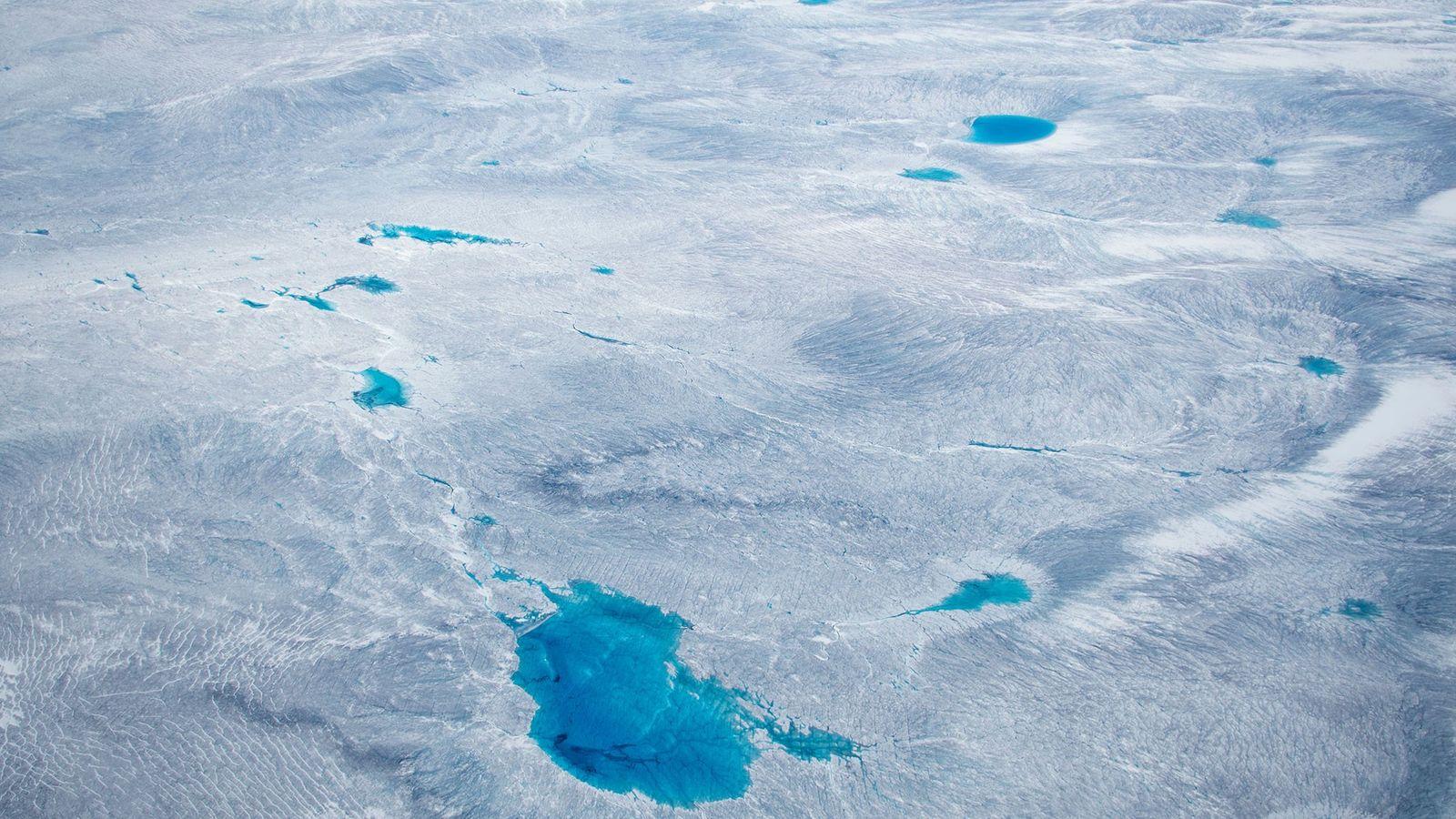 Le Groenland est recouvert d'un vaste inlandsis, mais pour combien de temps ?