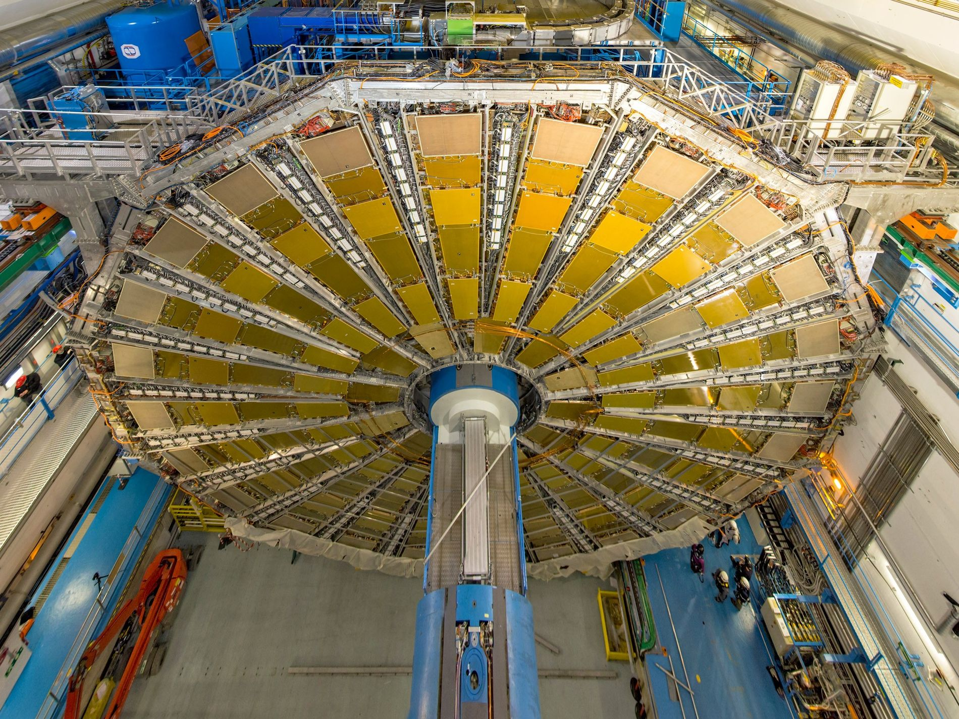 L'une des deux expériences ayant permis l'observation de la décomposition du boson de Higgs s'est tenue au détecteur ATLAS du laboratoire CERN, situé près de Genève, en Suisse.