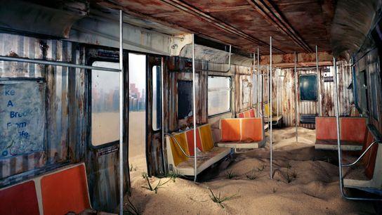 Les artistes ont passé sept mois à construire cette réplique détaillée d'une rame de métro de ...