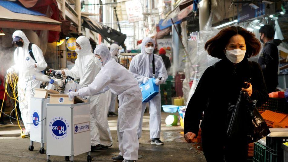 L'épidémie de coronavirus est officiellement une pandémie : ce que ça change