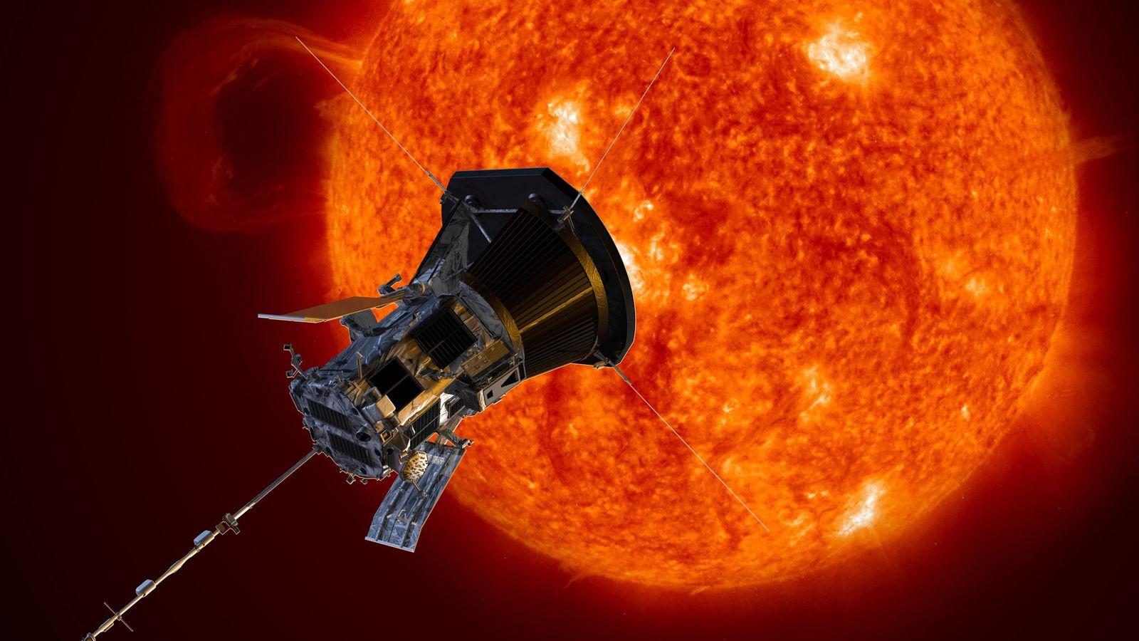 Cette illustration représente la sonde solaire Parker à l'approche du Soleil. Lancée en 2018, cette sonde ...