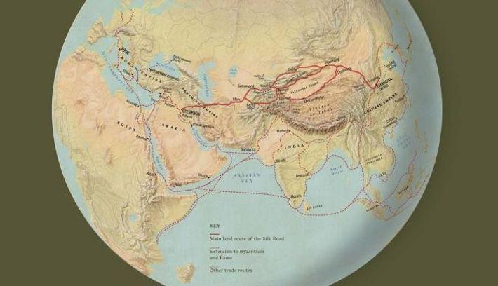 Un enchevêtrement de routes commerciales reliait l'Extrême-Orient et l'Europe, croisées à plusieurs endroits par d'autres itinéraires ...