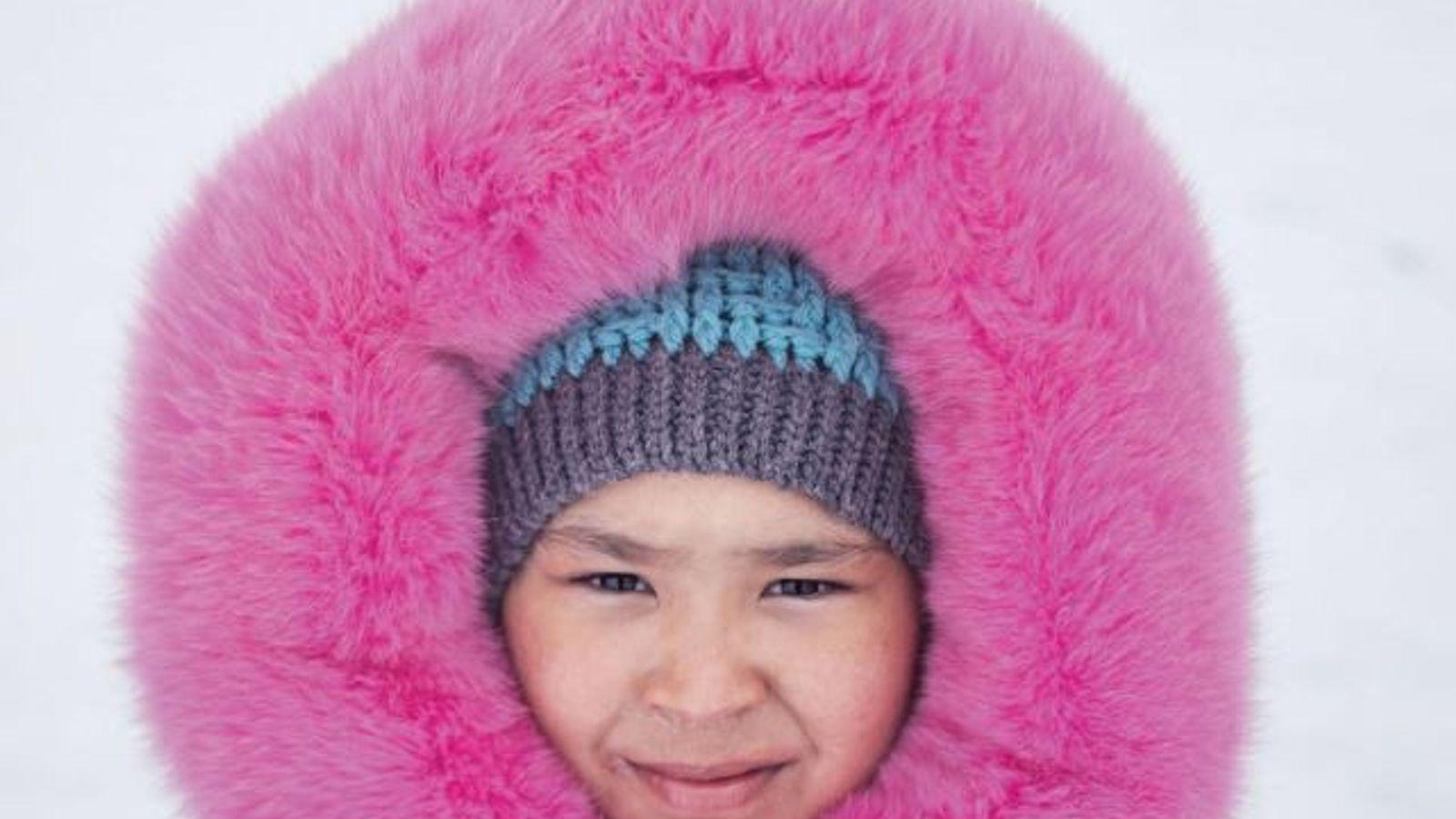 Emmitouflée dans une parka cousue par sa mère, Ashley Hughes a passé son 10e anniversaire à ...
