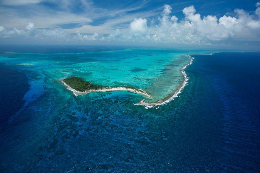 Le monument naturel de Half Moon Caye se trouve au cœur de la barrière de corail ...