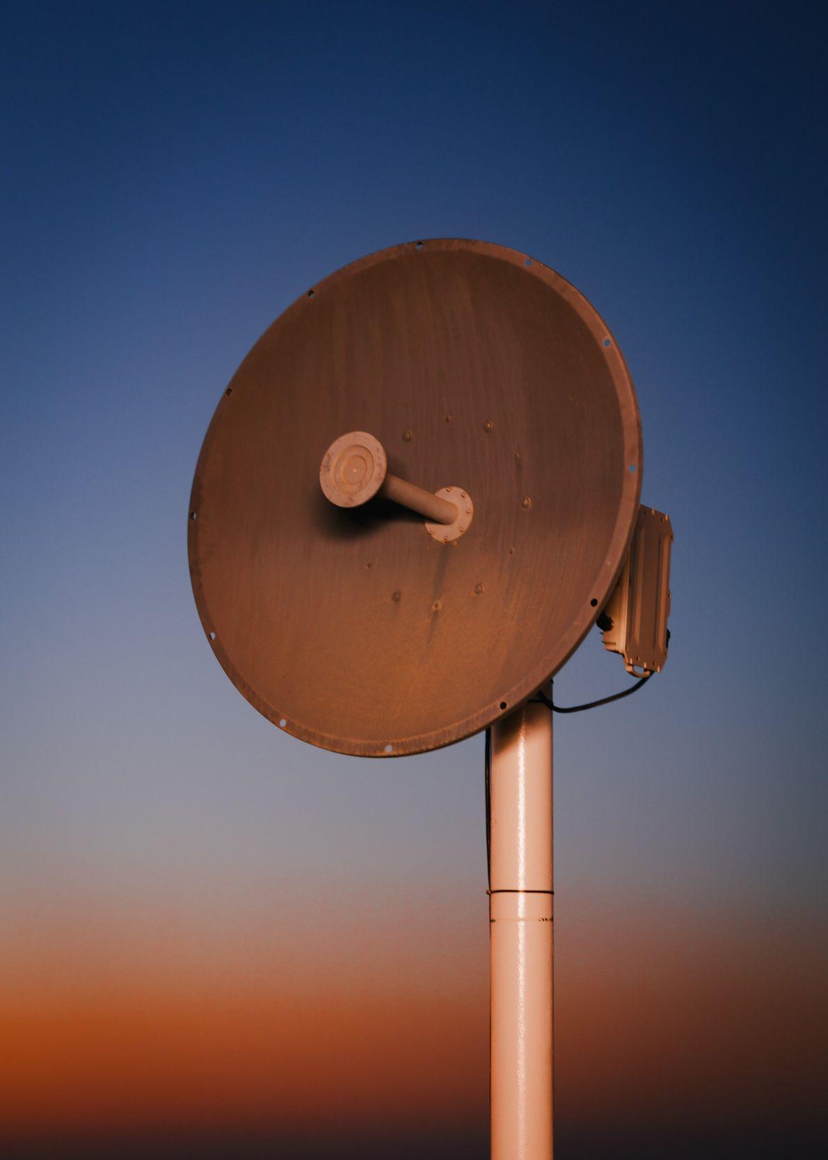 Une antenne hyperfréquence permet à la Station Kepler de communiquer. Cette dernière a été construite dans ...