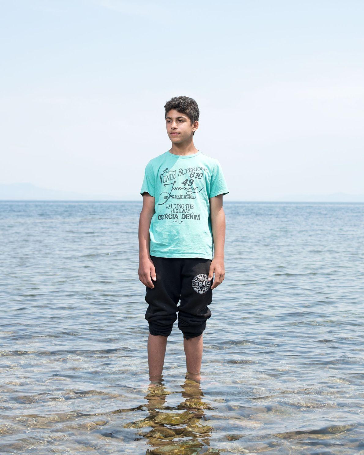 Bilal Al Fadoos est arrivé sur l'île de Lesbos depuis la Turquie à bord d'un canot ...