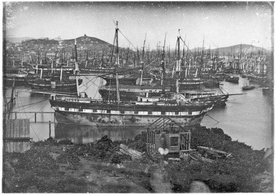 Il s'agit de l'une des cinq plaques d'un daguerréotype panoramique pris par William Shew aux alentours de 1852. Rincon Point, l'extrémité sud de la crique, apparaît au premier plan.