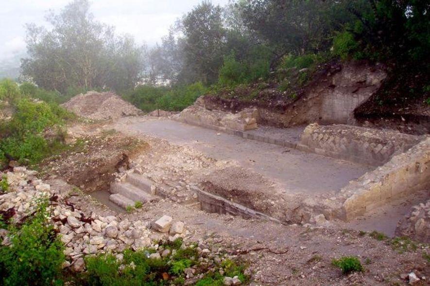 Les fouilles archéologique menées au Grand Plaza ont permis la mise au jour de grands cimetières ...