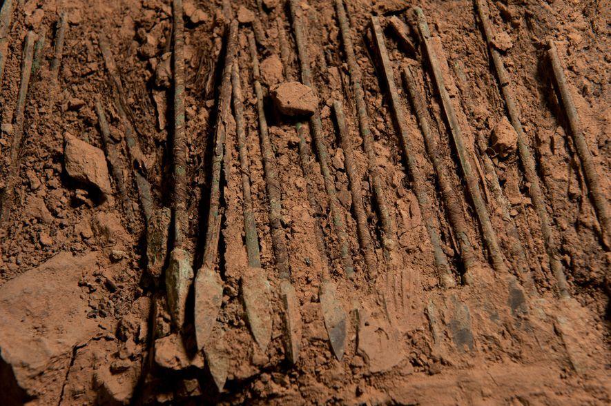 Les chercheurs pensaient que le chrome protégeait les armes en bronze contre la corrosion depuis plus ...