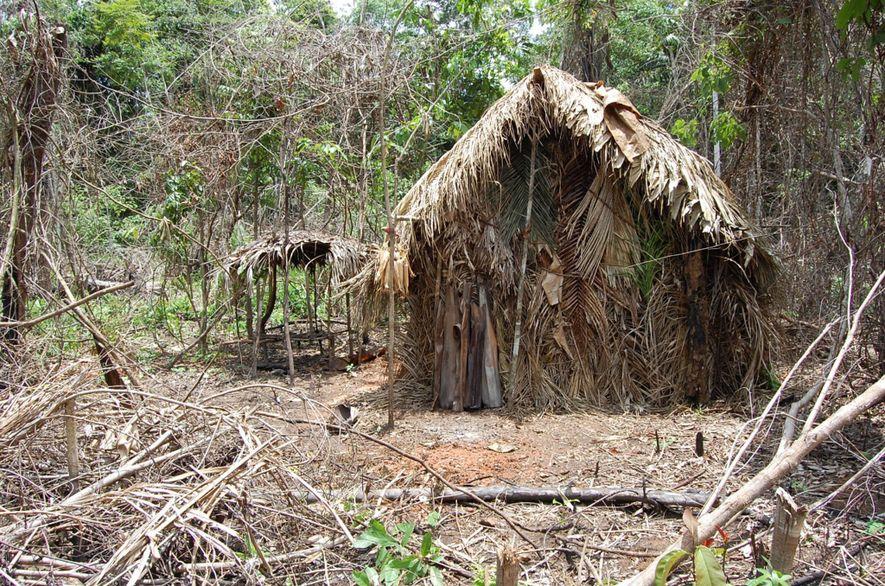 L'une des huttes que le survivant solitaire s'est construit.