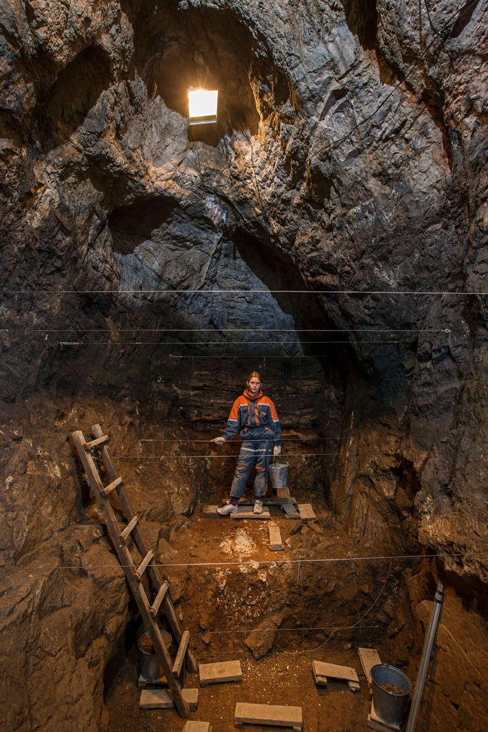 La grotte de Denisova, située en Sibérie, est le seul endroit connu au monde qui abrite ...