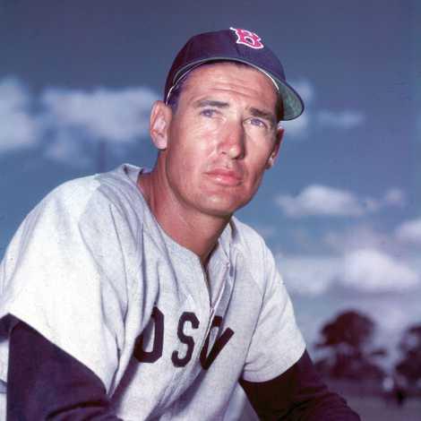 Ted Williams, le légendaire joueur de baseball des Red Sox, a fait congeler son corps dans ...