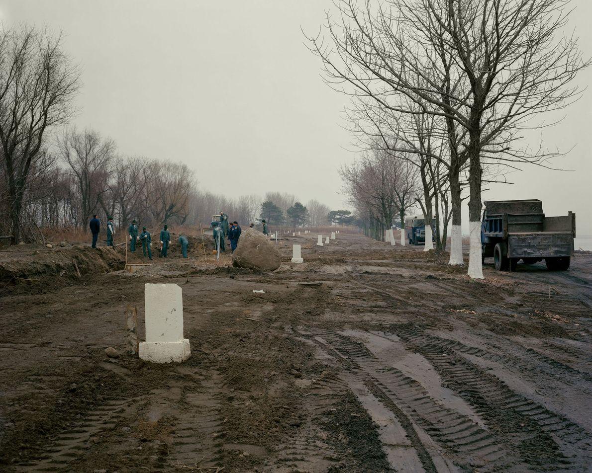 Un enterrement en 1991. Le cimetière municipal a été créé en 1869 pour les plus démunis ...