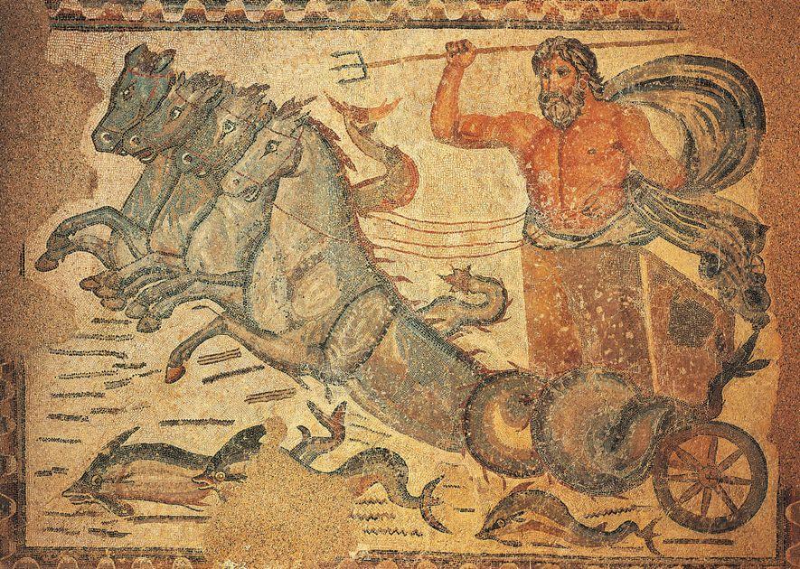 Cette mosaïque du 4e siècle représentant le dieu romain de la mer, Neptune, dans un char ...