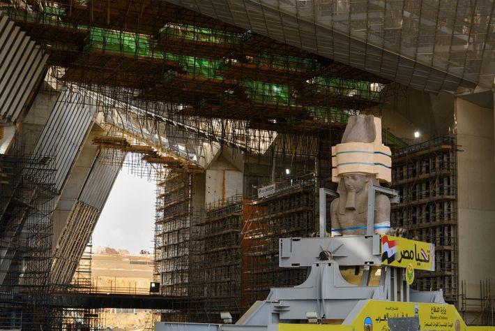 La statue de Ramsès II accueillera les visiteurs du futur Grand musée égyptien lorsque celui-ci ouvrira ...